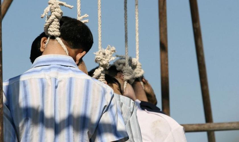 Cerca de 71 países ainda adotam leis de blasfêmia. (Foto: Reprodução).