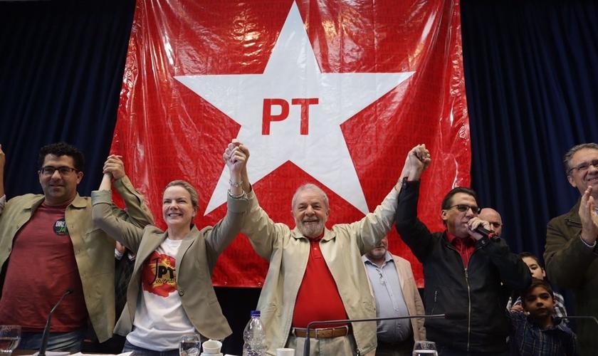 """Os movimentos sociais de esquerda funcionam mais ou menos assim. É a política da primeira infância. A política do """"Eu quero porque quero!"""" é muito perigosa. (Imagem: PT)"""