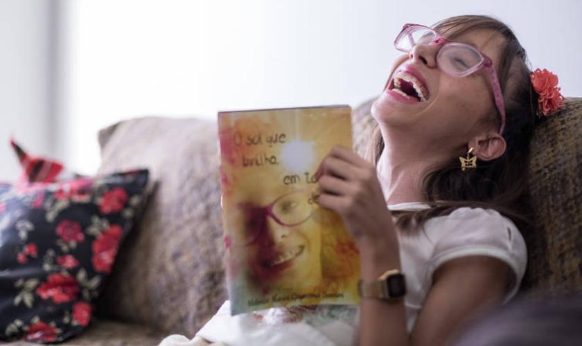 Heloíza está lançando seu primeiro livro de crônicas. (Foto: Ferdinando Ramos / Folhapress).