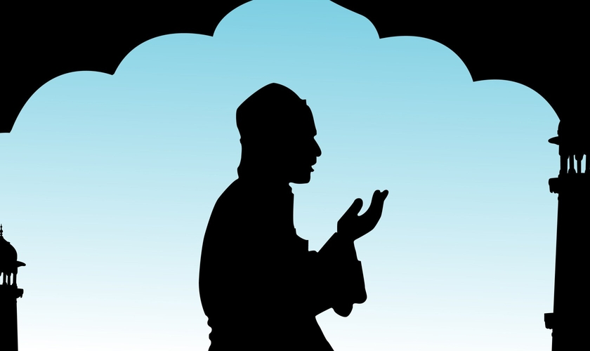 Muçulmano fazendo oração. (Foto: huffingtonpost.com)