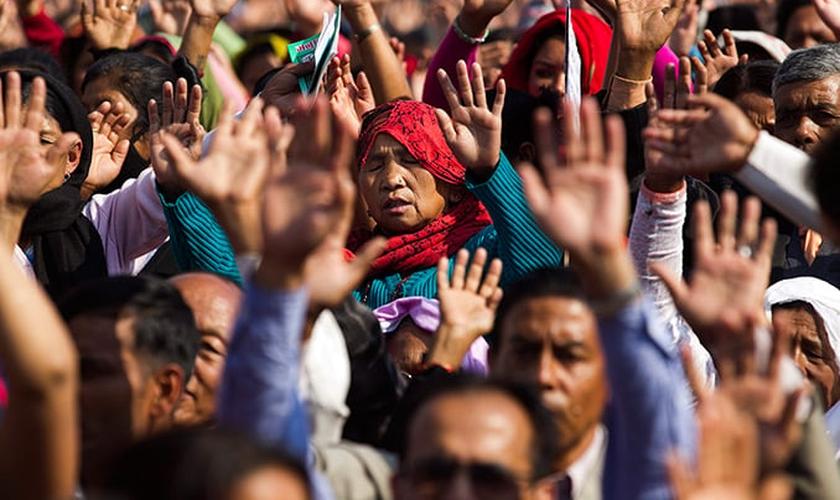 Cerca de 80 da população do Nepal é formada por hindus, enquanto os cristãos são apenas 1%. (Foto: gacetacristiana.com.ar)