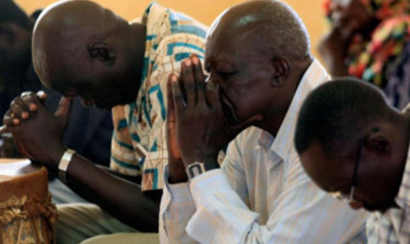 O país de maioria islâmica viu pelo menos quatro igrejas cristãs fechadas em Cartum. (Foto: Reprodução).