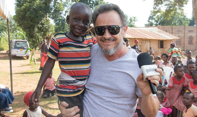 Marcos Corrêa representando o Portal Guiame em missão na África. (Foto: Guiame/Marcos Paulo Corrêa)
