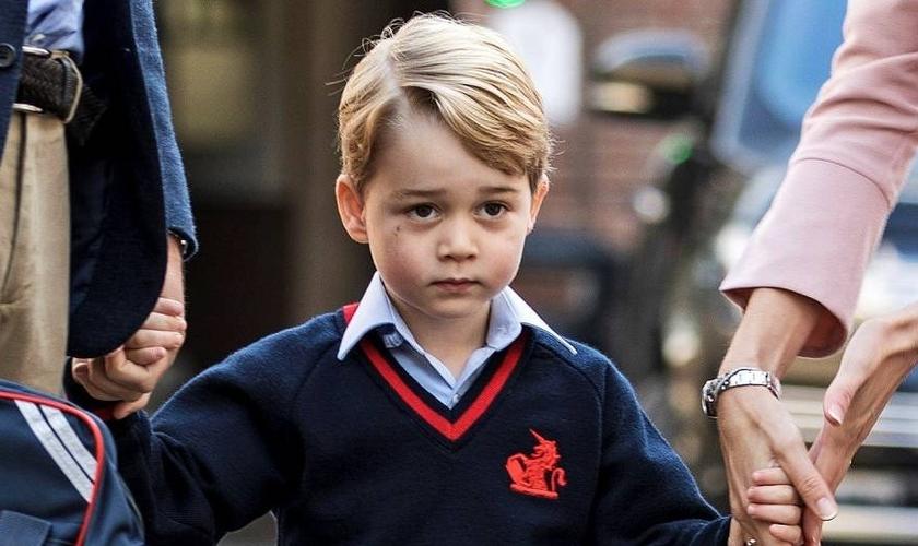 Príncipe George é filho do Príncipe William e sua esposa Kate Middleton. (Foto: Veja)