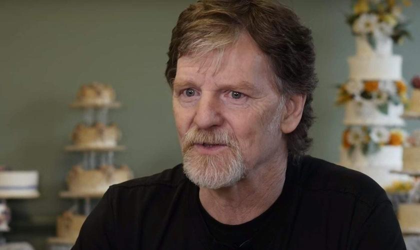 Jack Phillips se recusou a fazer um bolo para um casamento gay e tem sido alvo de um processo judicial desde então. (Foto: Heavy.com)