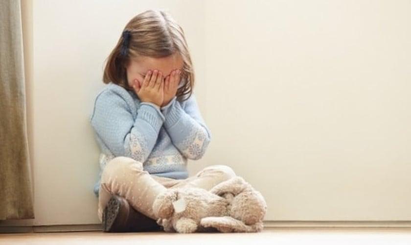 Ideologia de gênero tem causado conflitos psicológicos cada vez mais graves nas crianças, em diversas partes do mundo. (Foto: Godllywood)