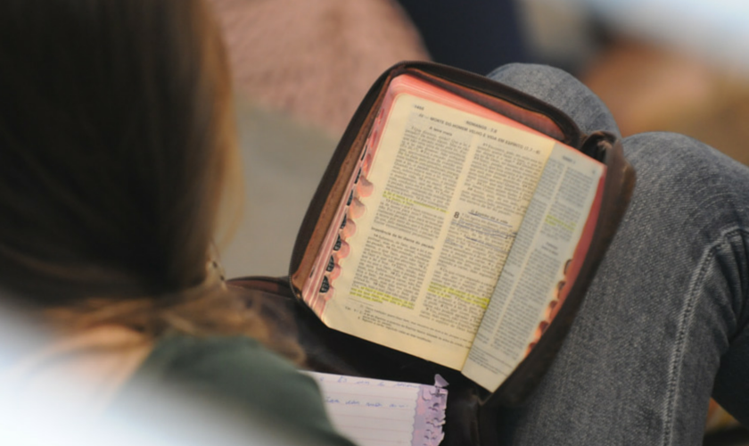 Leitura bíblica. (Foto: Getty)