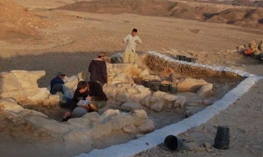 Arqueólogos descobrem provas da batalha em que Davi lutou próximo às minas de cobre de Timna. (Foto: IAA)