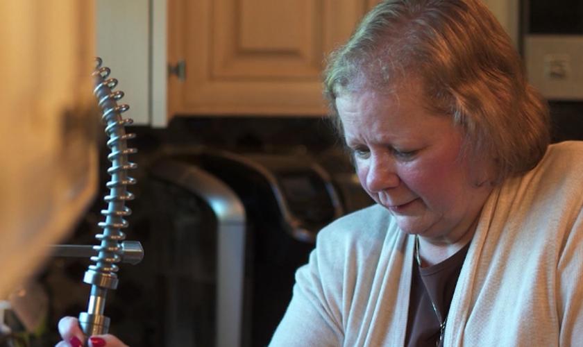 Dawn Cypret foi diagnosticada com quatro artérias obstruídas. (Foto: Reprodução).