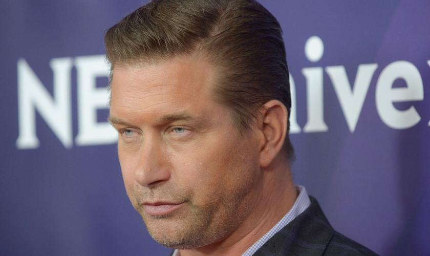 """O ator é conhecido por filmes de sucesso como """"Nascido em 4 de julho"""". (Foto: Reprodução)."""