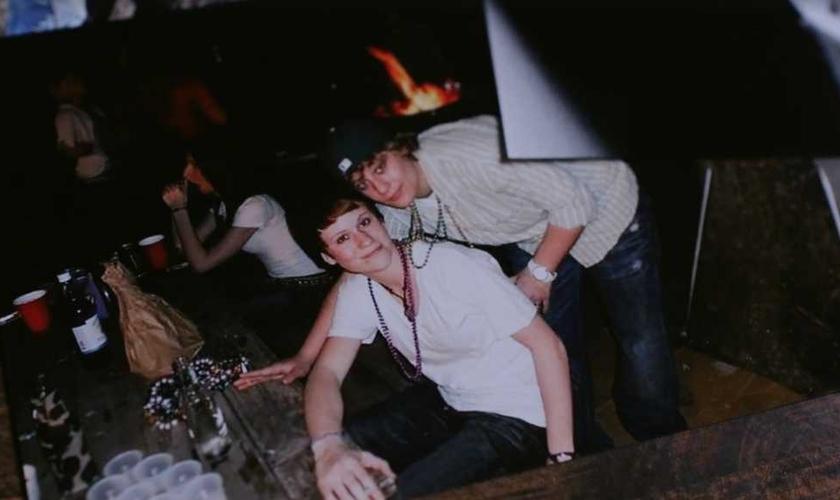 Emily Thomes passou a juventude em relacionamentos homossexuais. (Foto: Anchored North)