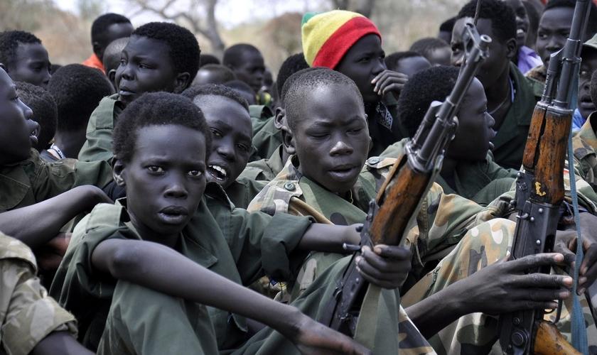 Boko Haram tem raptado crianças para usar em seus ataques terroristas. (Foto: Guardian.ng)