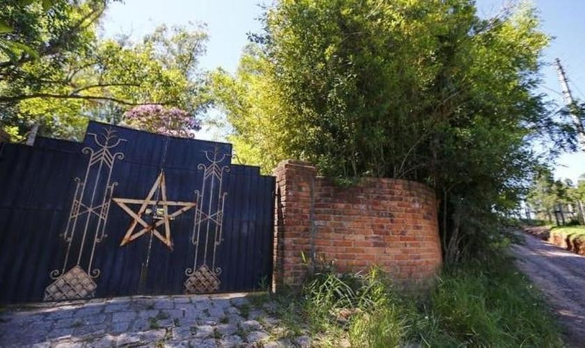 """Casa ou """"templo"""" onde foram realizados os sacrifícios com esquartejamento fica localizada a 30 quilômetros da região metropolitana de Porto Alegre. (Foto: Félix Zucco / Agencia RBS)"""