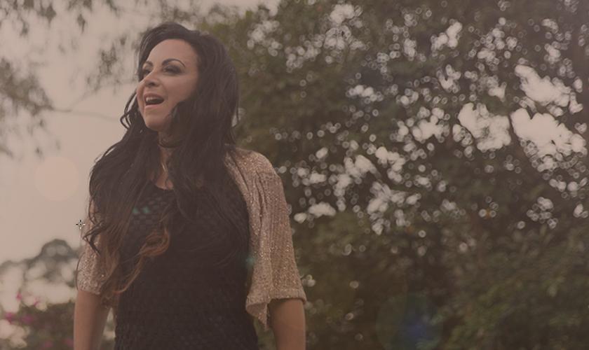 Cristina Mel é um dos maiores nomes da música cristã brasileira, tem 28 anos de carreira. (Foto: Divulgação).