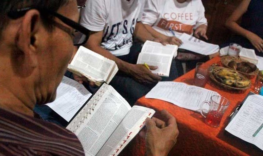 """""""Continuaremos contando às pessoas sobre Jesus"""", diz Rehanullah, que não pretende parar de pregar. (Foto: Reprodução)."""