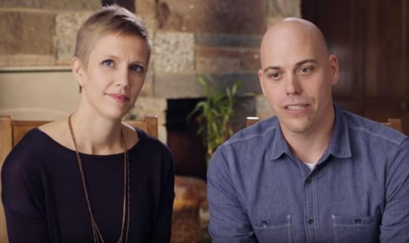 Para a defesa do casal, o Estado não deveria ameaçar os artistas com multas e prisões simplesmente por viver de acordo com suas crenças no mercado artístico. (Foto: Reprodução).