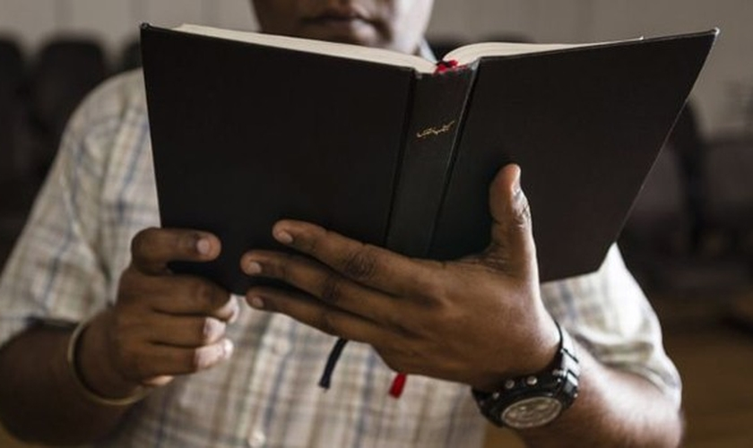 Com o trabalho árduo, alguns cristãos foram vencidos pelo alcoolismo para esquecer as dores. (Foto: Reprodução).