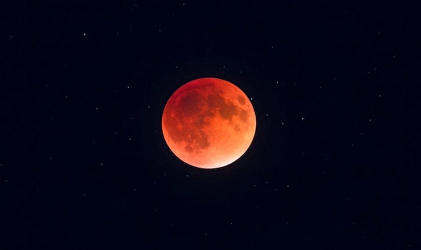 """A junção denominada pela Nasa de """"Superlua Azul de Sangue"""" poderá ser vista no céu. (Foto: Alan Dyer/VW PICS/UIG/Getty Images)"""