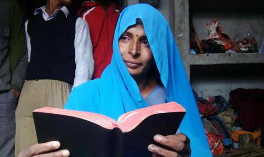 Imagem ilustrativa. Hoje Asmath faz parte de uma igreja subterrânea, onde os cristãos se reúnem em secreto para não serem presos. (Foto: Reprodução).