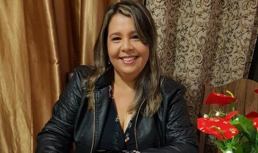 Lucianne Cruz assinou com a Nova Fase Distribuição na última terça-feira (30). (Foto: Divulgação).