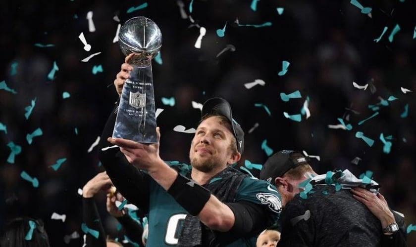 O quarterback Nick Foles foi eleito o melhor jogador da partida. (Foto: NFL).