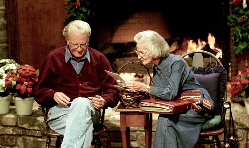 O evangelista passou 63 anos ao lado de sua esposa, Ruth Bell Graham. (Foto: Billy Graham Evangelistic Association)
