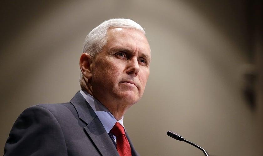 Mike Pence durante um discurso no Condado de Marion, em Indiana, nos EUA. (Foto: Michael Conroy/AP)