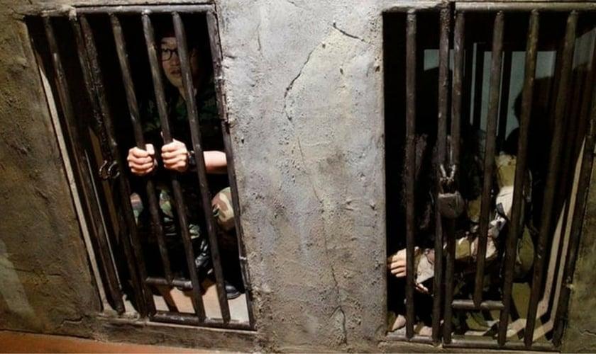 Prisioneiros são mantidos em situações precárias e degradantes na Coreia do Norte. (Foto: Church Militant)