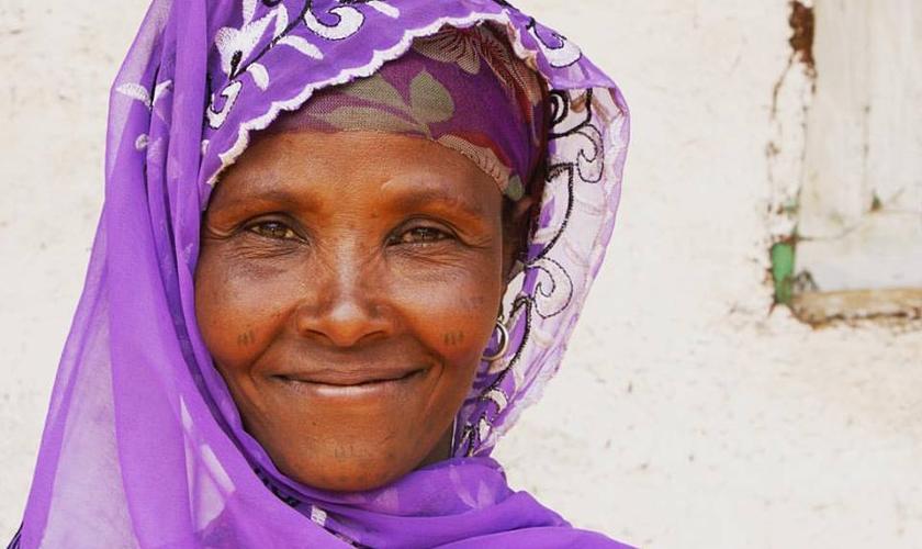 Imagem ilustrativa. A ex-muçulmana sofreu perseguições de sua família após se converter. (Foto: New Covenant Missions)