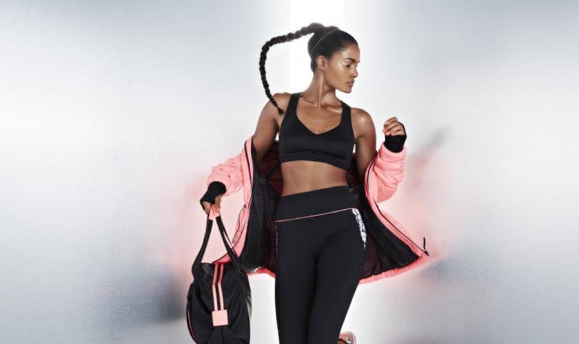 O fitness fashion tem sua principal passarela nas academias e parques. (Foto: Reprodução)