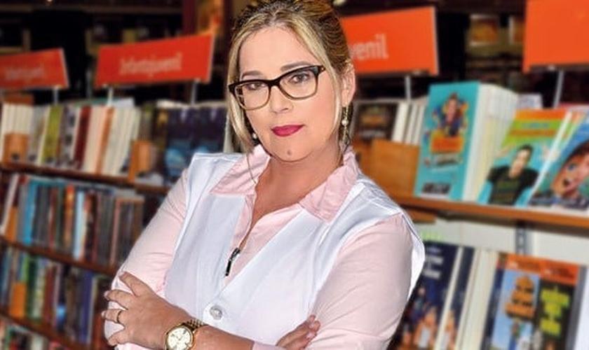 """Marisa Lobo é psicóloga, especialista em Direitos Humanos e autora de diversos livros, como """"Famílias em Perigo"""" e """"A Ideologia de Gênero na Educação"""". (Foto: Revista Comunhão)"""