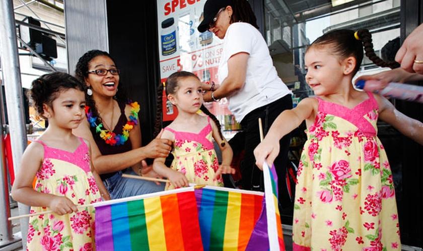 A Ideologia de Gênero tem sido uma proposta polêmica apoiada pelo movimento LGBT, inspirada pela 'Teoria Queer'. (Foto: AP/Mark Lennihan).