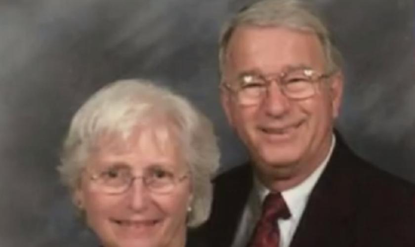 O pastor John Alford sobreviveu com graves ferimentos, mas não conseguiu resgatar sua esposa. (Foto: Reprodução).