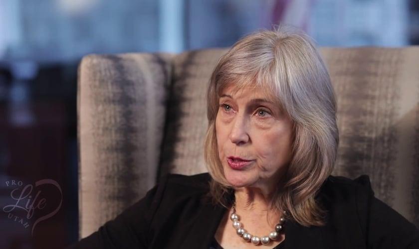 Dra. Kathi Aultman realizava abortos, mas se arrependeu após se entregar a Jesus. (Imagem: Youtube)