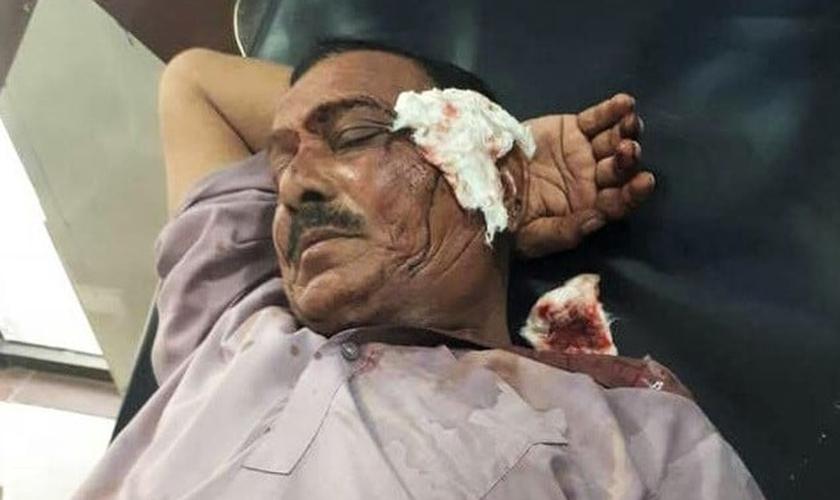 Além dos tijolos, mais de 15 muçulmanos usaram armas de fogo contra os fiéis. (Foto: Morning Star News).