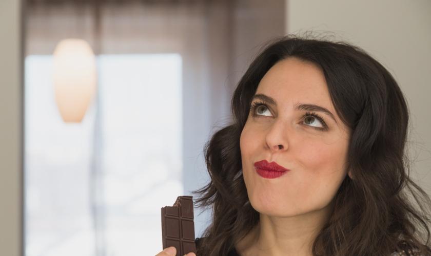 O consumo de chocolate pode fazer bem, se consumido sem exageros. (Foto: Reprodução)