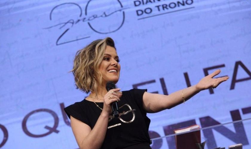 """""""Eu comecei muito nova, sem nem mesmo me enxergar como líder"""", disse Ana Paula Valadão. (Foto: Igreja Batista da Lagoinha)."""