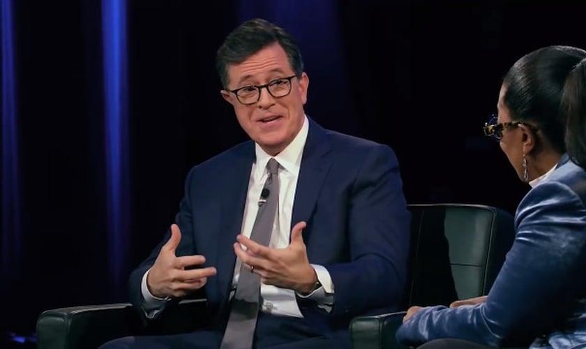 """Depois de passar por um período perturbado pela ansiedade, Colbert diz que o verso """"não temas"""" em Mateus era exatamente o que ele precisava ouvir. (Foto: Reprodução)."""