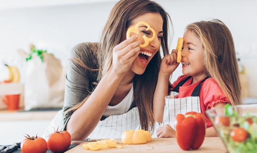 Alimentar-se de forma saudável é manter um cardápio balanceado e variado. (Foto: Reprodução)