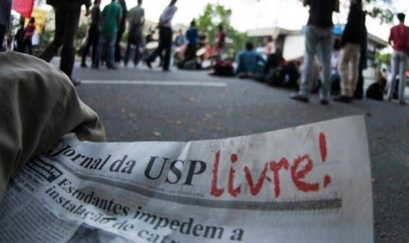 Alunos da USP participam de protesto