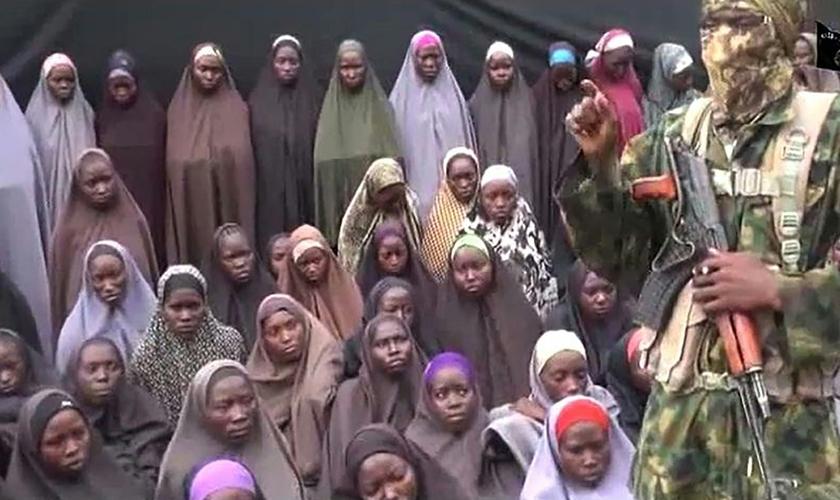 As meninas sequestradas em Chibok são em sua maioria cristãs. (Foto: Reprodução).
