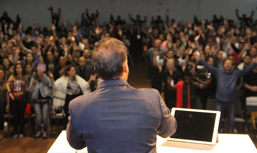 Ministério Engel reuniu líderes de diversas regiões do Brasil e do mundo. (Foto: Divulgação)