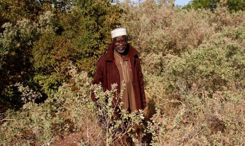 Imagem ilustrativa. Idoso em Gourga, na província de Yatenga, ao norte de Burkina Faso. (Foto: TRF/Morgane Le Cam)