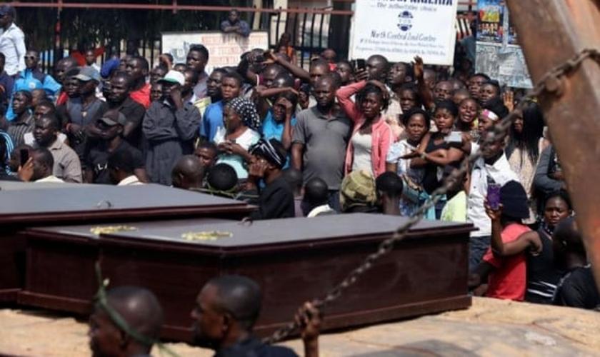 Pelo menos 39 cristãos foram mortos e 160 casas incendiadas em ataques recentes na Nigéria. (Foto: REUTERS/AFOLABI SOTUNDE)