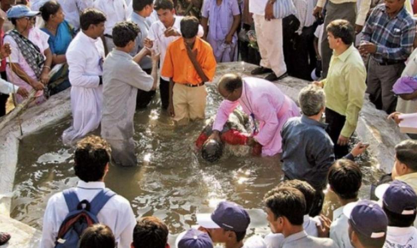 A legislação regula o ato de conversão para outra religião. (Foto: Reuters).