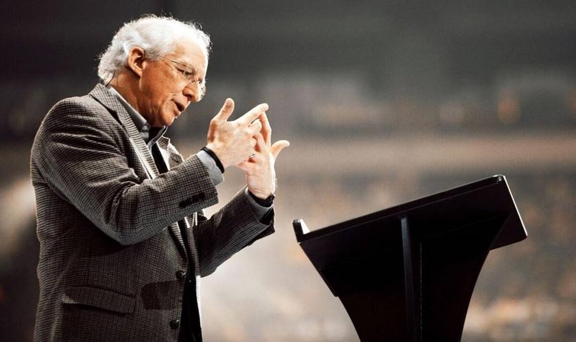 John Piper afirma que é preciso lembrar aos novos crentes que as comunidades da igreja são imperfeitas. (Foto: Reprodução).