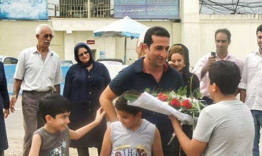 Nadarkhani, que é ex-muçulmano, foi condenado por organizar igrejas domésticas. (Foto: Reprodução).