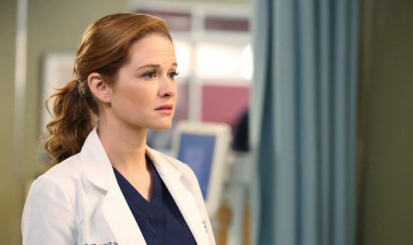 """Além de Sara, o filme ainda conta com outras estrelas de """"Grey's Anatomy"""". (Foto: Reprodução)."""