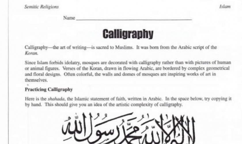 """Atividade de """"caligrafia"""" pedia que os alunos escrevessem declaração de fé islâmica. (Imagem: Teacher Created Resources)"""