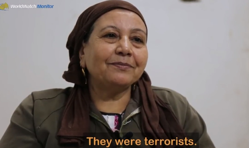 Nadia perdeu o filho e o genro em um ataque do Estado Islâmico a um ônibus, no Egito. (Imagem: World Watch Monitor)